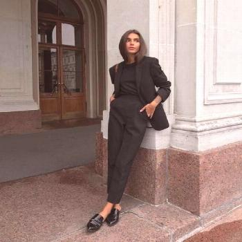 8 Staple Pieces You Need For The Perfect All Black Outfit - Society19 UK
