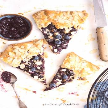 Blueberry Almond Galette - blueberry galette with marzipan and almonds - cinnamon biscuit and apple