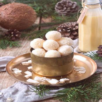 Eggnog balls with coconut or almonds - recipe - Sweets & Lifestyle® - -