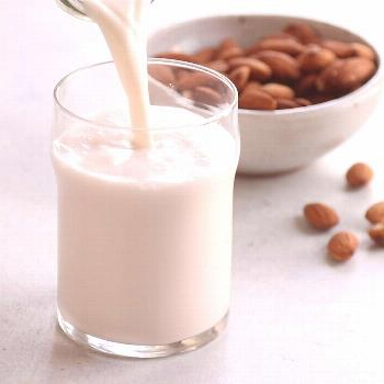 How to Make Almond Milk Here's how to make the BEST almond milk, using just 2 ingredients! This hom