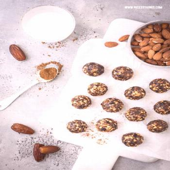 Vegan Energy Balls recipe with almonds, plums and cinnamon - nicest things -  Recipe for vegan ener