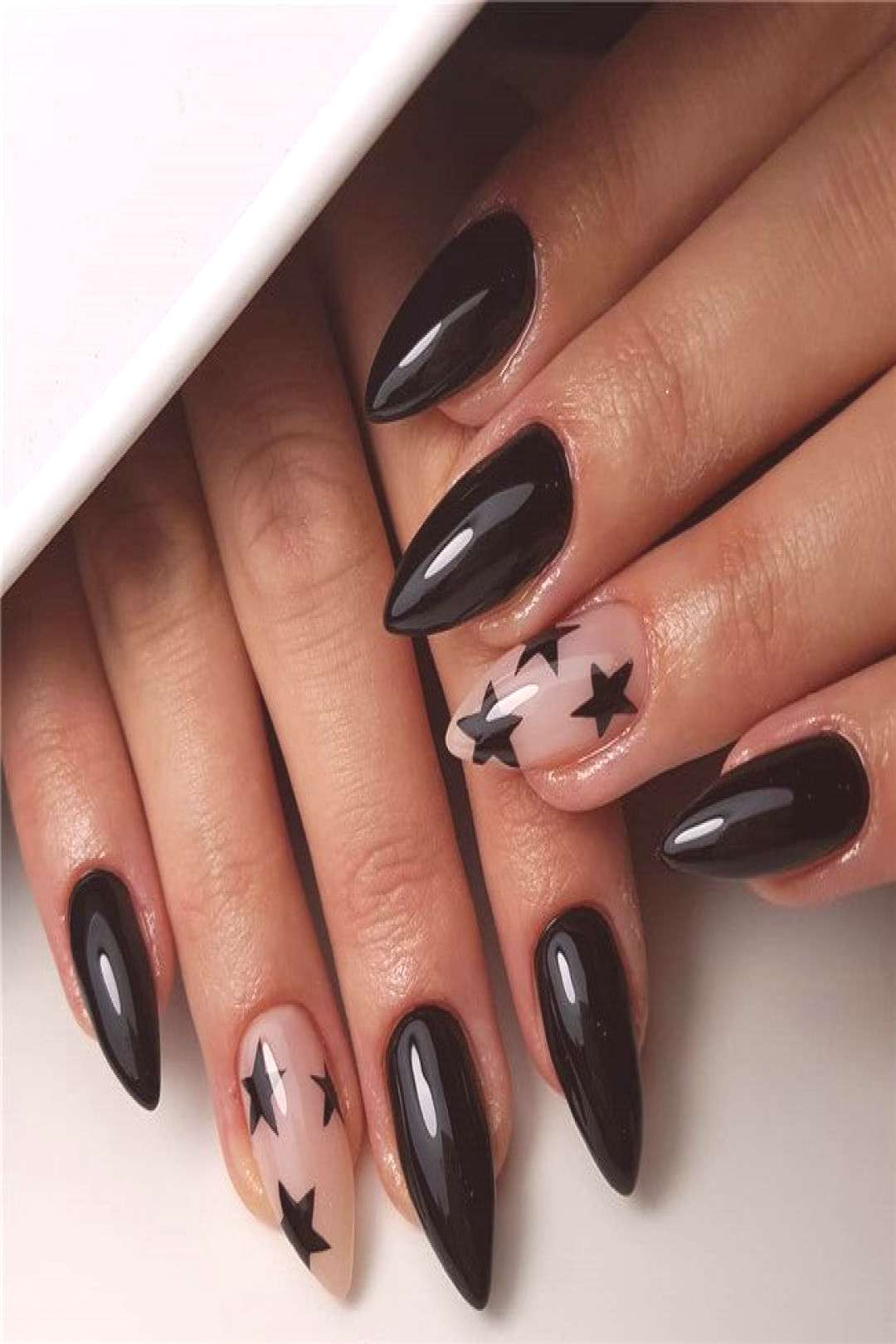 42 Short And Long Acrylic Almond Nails Designs In New Year Almond nail is one of the popular nail s