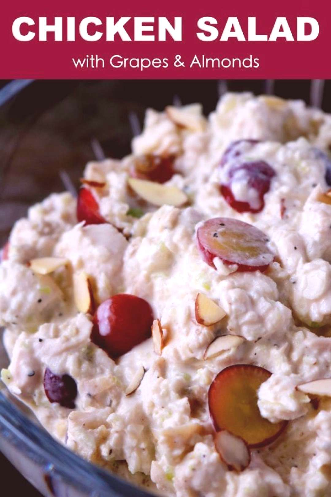 Chicken Salad with Grapes and Almonds,A traditional chicken salad with grapes and almonds wit... Ch