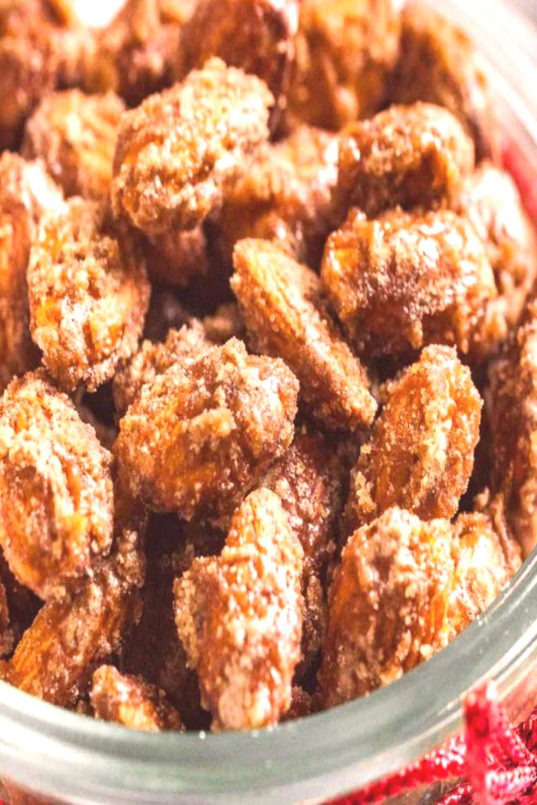Easy Cinnamon Candied Almonds are sweet, crunchy and make your house smell amazing! These roasted n