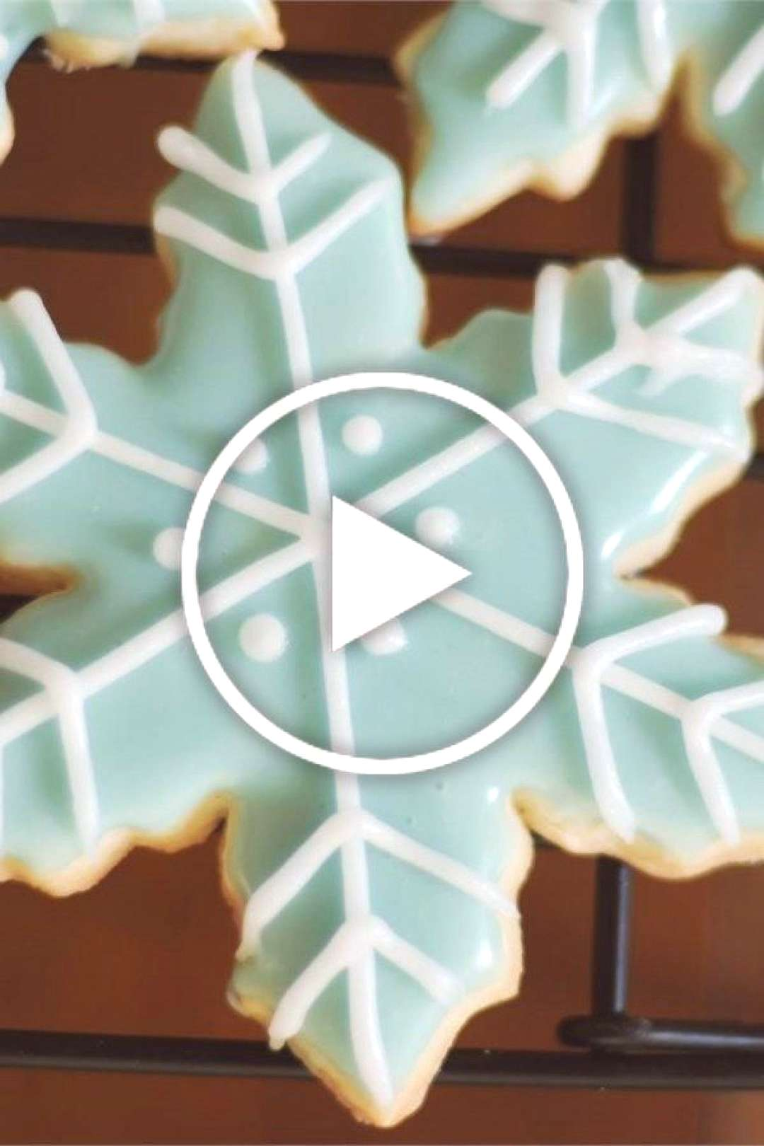 Sugar Cookie Icing | Absolutely fabulous sugar cookie icing! This icing recipe is the Holy Grail of