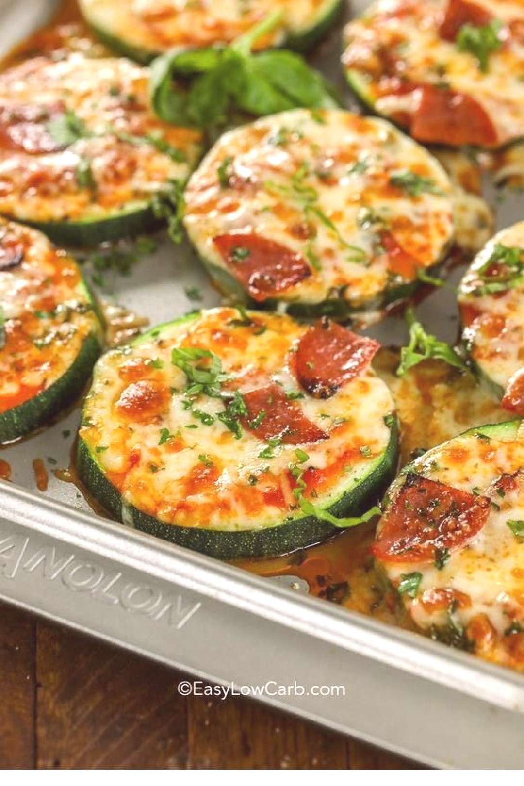 this ZUCCHINI PIZZA BITES is so yumm!! You must see the complete recipes.